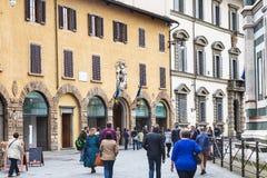 Туристы около Dell Оперы del Duomo Museo, Флоренса Стоковое Изображение RF
