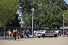 Туристы посещая DC Белого Дома Стоковые Изображения