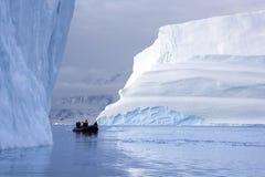 Туристы приключения - Scoresbysund - Гренландия Стоковое Изображение