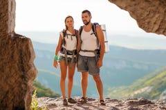 Туристы - люди в горе Стоковые Фото