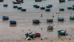 Турист Вьетнам Рыбацкий поселок в Ne Mui сток-видео