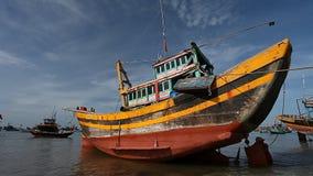 Турист Вьетнам удить шлюпок традиционный акции видеоматериалы