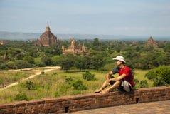 Турист в Bagan Стоковые Изображения RF