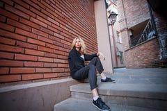Турист идет через улицы Тбилиси Стоковые Изображения RF