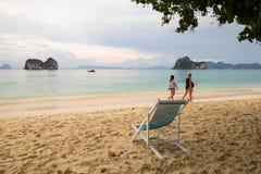 Турист на пляже Стоковые Изображения RF