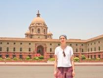Турист на эспланаде Rajpath 10 1986 2007 2011 все по мере того как дом delhi baha я inaugurated индийские известные люди в ноябре Стоковые Изображения RF