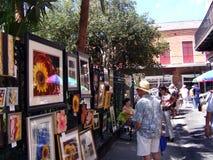 Турист переулка искусства Vieux Carre JacksonSquare французского квартала Нового Орлеана Стоковые Изображения RF