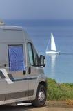 Турист припаркованный на пляже стоковые изображения rf