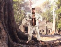 Тучный боец карате Стоковые Изображения