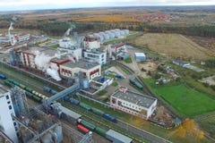 тучный завод Фабрика для обрабатывать сало и масло Промышленное производство еды стоковое фото