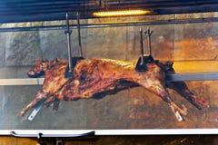 Туша овечки на протыкальнике стоковое фото