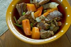 Тушёное мясо говядины бака глиняного кувшина Стоковые Фотографии RF