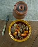Тушёное мясо говядины бака глиняного кувшина Стоковое Изображение