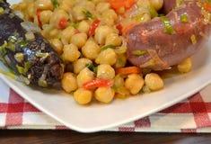 Тушёное мясо нута с morcilla и chorizo Стоковая Фотография RF