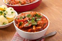 Тушёное мясо сосиски и фасоли Стоковое Фото