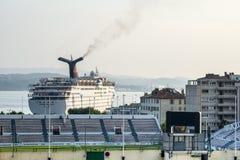 Тулон, гавань и стадион стоковая фотография rf