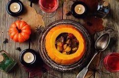 Тыква заполненная с мясом и овощами Стоковое Фото