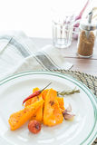 Тыква испеченная с чесноком и розмариновым маслом Стоковая Фотография RF