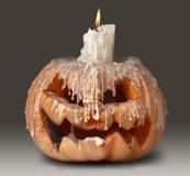 Тыква и свечка Halloween на верхней части Стоковое фото RF