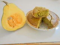 Тыква и торт тыквы испеченный в корке пирога бесплатная иллюстрация