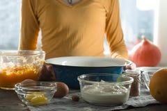 Тыква, пюре тыквы, апельсин для взгляда со стороны пирога тыквы Стоковые Фото