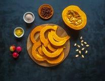 Тыква с сладостным соусом Десерт тыквы осени Стоковое фото RF