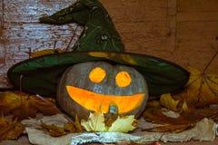 Тыква хеллоуина нося шляпу ведьм Стоковая Фотография RF