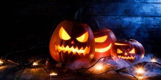 Тыквы и свечи хеллоуина Стоковое Фото