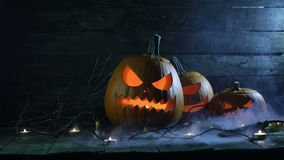 Тыквы и свечи хеллоуина видеоматериал