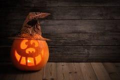 Тыквы хеллоуина на деревянной предпосылке Стоковое Изображение RF