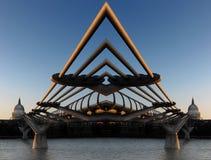 тысячелетие моста Стоковые Фото
