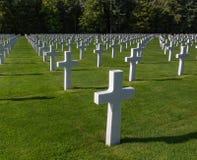 Тысячи белых крестов в Luxenbourg стоковое фото rf