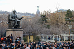 Тысячи протестуют в Армения против перевыбранного pr Стоковое фото RF