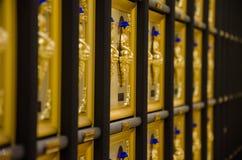 10 тысяч золотой висок Гонконг Buddhas Стоковые Изображения RF
