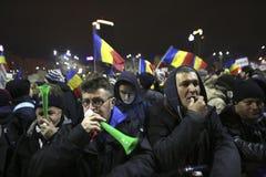 100 тысяч протест как Румыния ослабляет закон коррупции Стоковые Фото