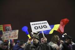 100 тысяч протест как Румыния ослабляет закон коррупции Стоковая Фотография RF