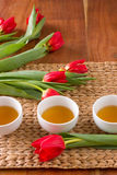 тюльпаны полотенец стоковое фото