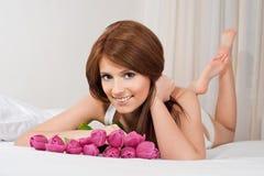 тюльпаны девушки Стоковые Изображения RF