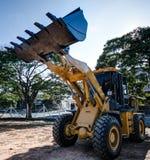 Тяжелый трактор на индустрии обязанности стоковая фотография rf