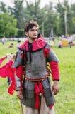 Тяжелый armored средневековый ратник Стоковое Фото