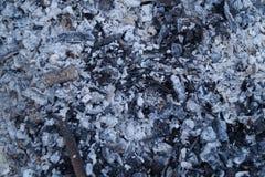 тлеющие угли и золы Стоковые Фото