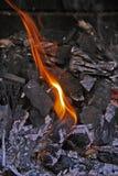 Тлеющие угли для барбекю Стоковое Фото