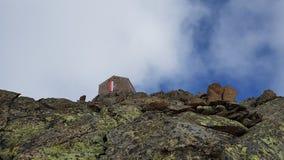 Убежище в горах Стоковые Изображения
