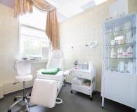 Уберите европейская комната массажа Стоковая Фотография