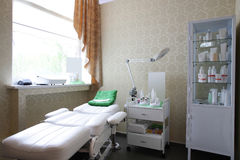 Уберите европейская комната массажа Стоковые Фотографии RF