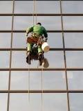 Уборщик Windows на моле Стоковые Изображения