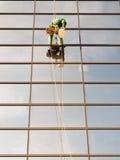 Уборщик Windows на моле Стоковое Фото