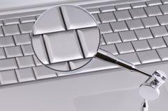 увеличиванный ключ Стоковая Фотография RF