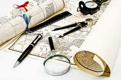 увеличитель компаса составляет карту olda Стоковые Фото