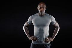 Уверенно африканский спортсмен с copyspace Стоковая Фотография RF